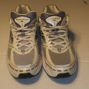 WOMEN'S BROOKS ADDICTION 9 SIZE 10 RUNNING SHOES